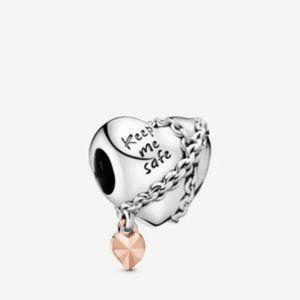 🌸Pandora Chained Heart Charm
